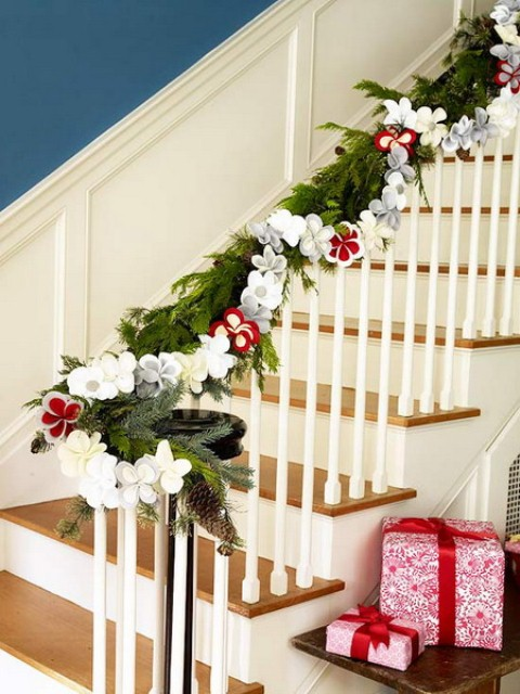 Christmas inspiration for your home blog - Christmas decorations for stair rail ...