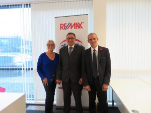 Remax-team-photo-low