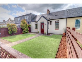 7 Roman Camp Cottages, Broxburn, EH52 5PJ