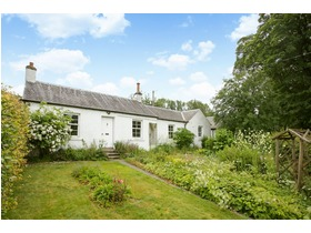 Earlypier Cottage, Nr Eddleston, Peebles, EH45 8QX