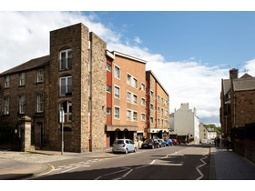 2/3 Brown's Close, 65 Canongate, Canongate, EH8 8BT
