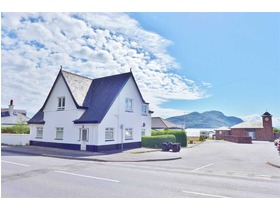 Blenheim Upper Apartment, Lamlash, KA27 8JN