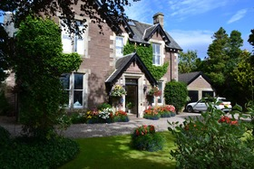 Perth Road, Crieff, PH7 3EQ