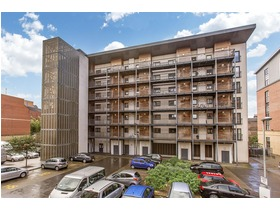 3/24 Salamander Court, The Shore, EH6 7JE