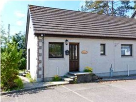 Newtonmore, Ph20 1bb, Newtonmore, PH20 1BB