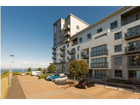 10/21 Western Harbour Terrace, Edinburgh, Eh6 6jn, The Shore, EH6 6JN