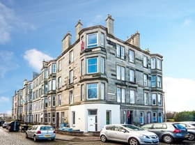 2/5 Agnew Terrace, Trinity (Edinburgh North), EH6 4QU