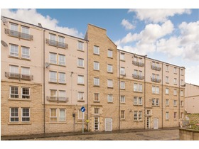 7/4 Mitchell Street, Leith, EH6 7BD