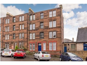 2 3f2 St Clair Place, Easter Road, EH6 8JZ