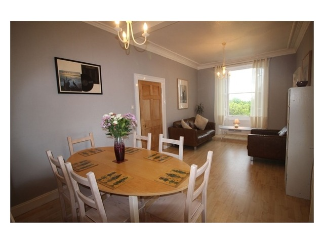 4 bedroom flat for sale 46 townsend place kirkcaldy for Dining room kirkcaldy