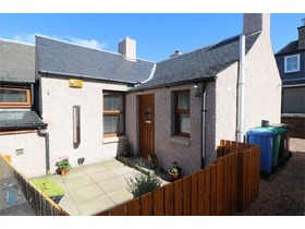 Glenlea, Links Road, Leven, KY8 4HP