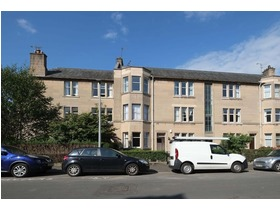 18/4 Learmonth Avenue, Comely Bank, EH4 1DF
