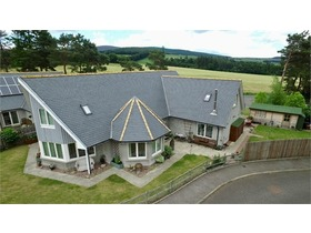 Parkhouse Close, Tarland, Aboyne, AB34 4UZ