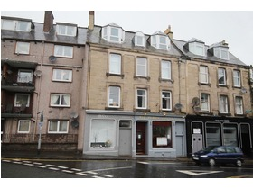 2e, Drumlanrig Square, Hawick, TD9 0AS
