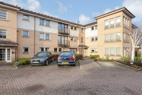 15 Burnmouth Place, Bearsden, G61 3PG