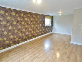 Larch Drive, Greenhills, East Kilbride, G75 9HG