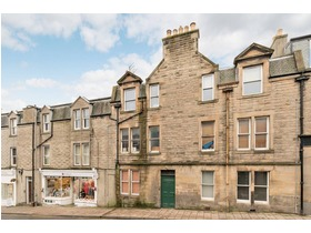 23d Old Town, Peebles, EH45 8JF