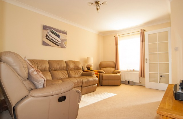 2 bedroom house for sale 25 crookston court larbert for J j bathrooms falkirk