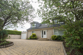 Shangrila, High Barwood Road , Kilsyth, G65 0EE