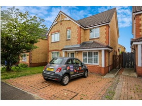Badger Meadows, Broxburn, EH52 5TD
