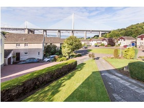 21 Inchcolm Drive, North Queensferry, KY11 1LD