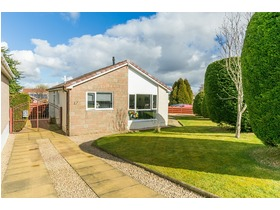 Rowantree Grove, Currie, EH14 5AT