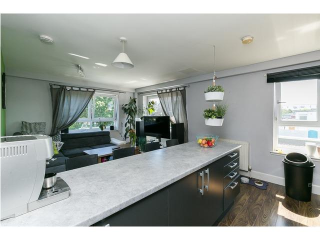 3 bedroom flat for sale, Lindsay Road, Leith, Edinburgh ...