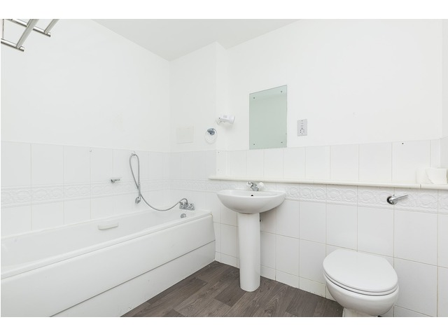 2 Bedroom Flat For Sale Ocean Drive The Shore Leith