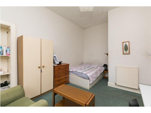 2 bedroom flat for sale, Dalry Road, Dalry, Edinburgh ...