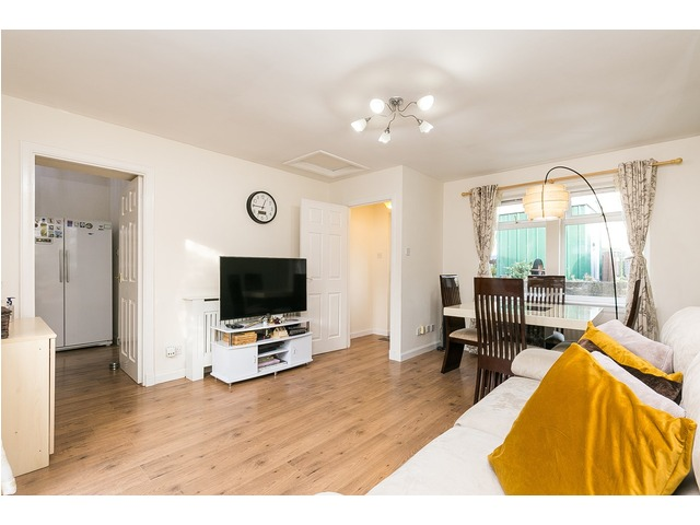 3 bedroom flat for sale, Redbraes Place, Broughton ...