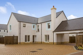 Picketlaw Road, Eaglesham, G76 0BF