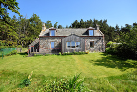 Dirdhu Farmhouse  Bothy, Tomintoul Road, Grantown-on-Spey, PH26 3NP