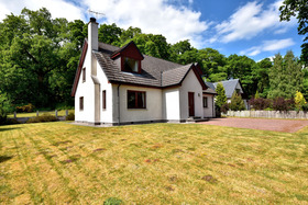 Oak Cottage, 3 Braeriach Road, Kincraig, PH21 1QA