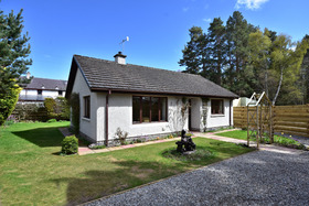 Bridgend Cottage, School Road, Dulnain Bridge, PH26 3NX