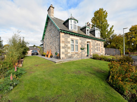 Homefield and Cottage, Heathfield Road, Grantown-on-Spey, PH26 3HX