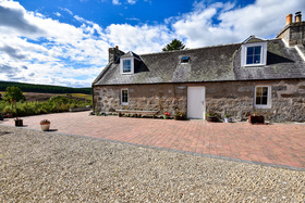 Topperfettle Farm Cottage, Tomintoul Road, Grantown-on-Spey, PH26 3NN