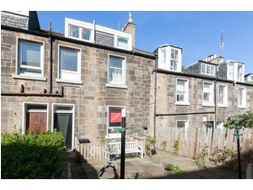 Carlyle Place, Abbeyhill, EH7 5SR