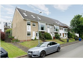 Castlehill Crescent, Kilmacolm, PA13 4HY
