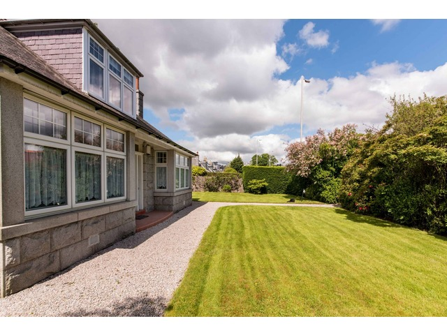 4 bedroom house for sale, Anderson Drive, Seafield ...