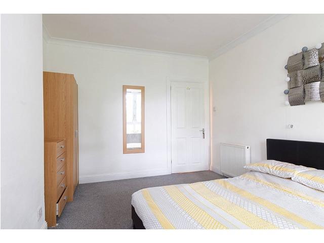 4 bedroom flat for sale, Great Western Road, Anniesland ...