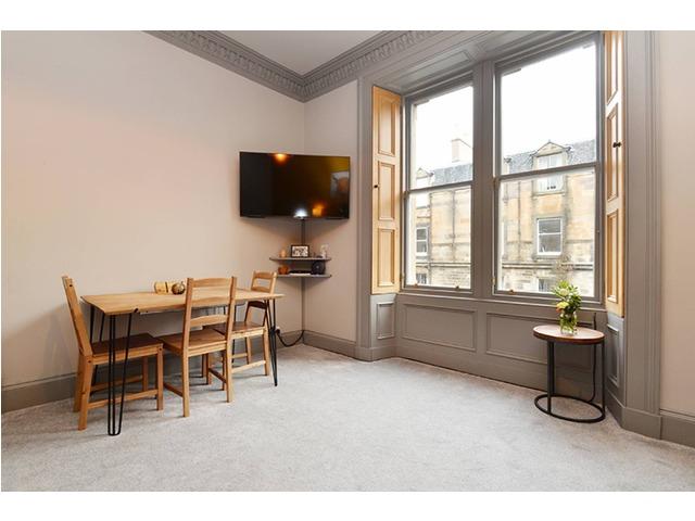 3 bedroom flat for sale, Blackwood Crescent, Newington ...