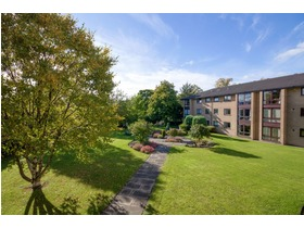 3/3 Gillsland Park, Merchiston, EH10 5TN