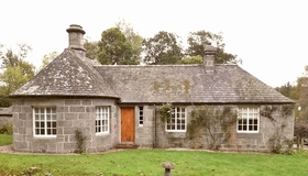 West Lodge, Castle Fraser, Sauchen, Inverurie, AB51 7JS