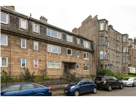 18d, Meadowbank Crescent, Meadowbank, EH8 7AQ