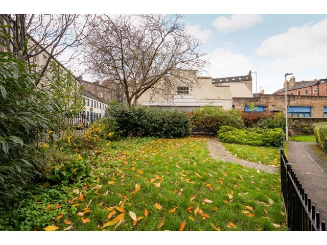 3 bedroom flat for sale, Barony Street, New Town ...