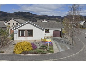 Knockard Place, Pitlochry, PH16 5JF