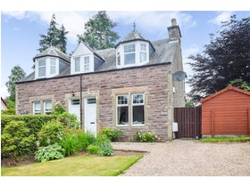Cairnvrackan, Western Road, Auchterarder, PH3 1JH