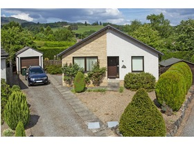 Knockard Crescent, Pitlochry, PH16 5JG