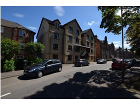 Raeburn Place, Perth, PH2 0DD