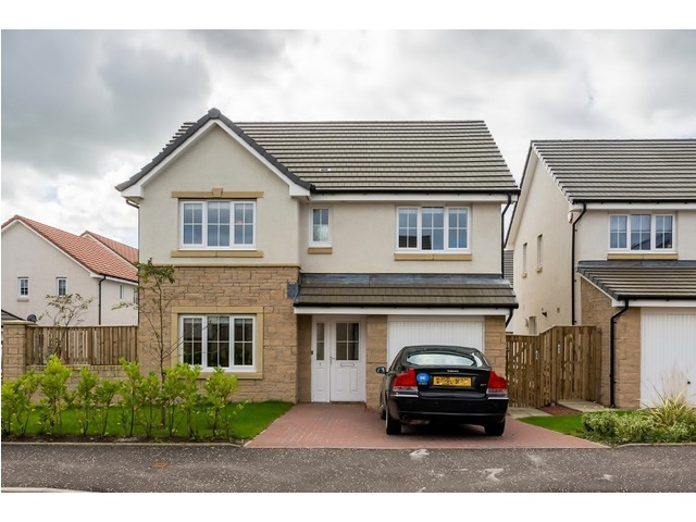 4 bedroom house for sale, 1 Leggaston Place, Darnley ...